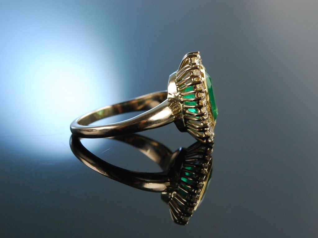 Beliebt Bevorzugt Kolumbianisches Grün! Feiner Smaragd Ring Gold 750 Brillanten 0, &SB_05