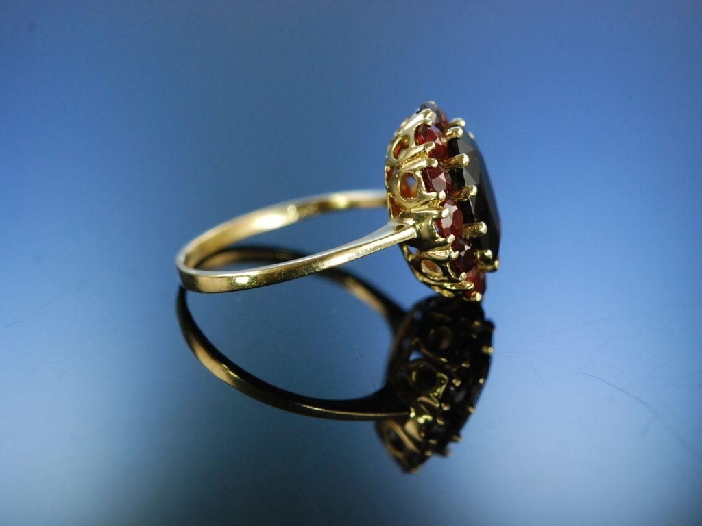 rot funkelnder granat ring gold 333 vintage garnet ring. Black Bedroom Furniture Sets. Home Design Ideas
