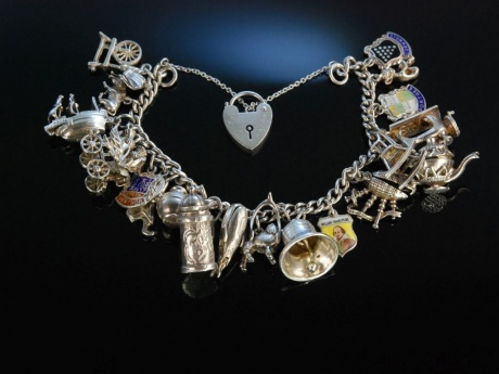 Bettelarmband 22 Charms Bracelet Silber Armband London um 1970