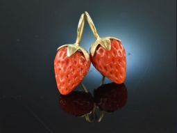Coral Strawberries!...