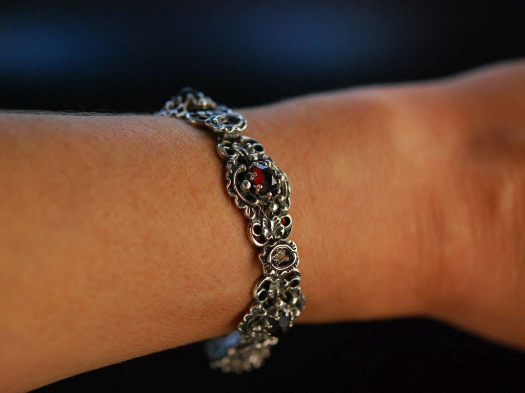 Trachten Schmuck zum Dirndl! Armband Silber 835 Granate Graz