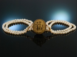Antique Lava Cameo! Collier...