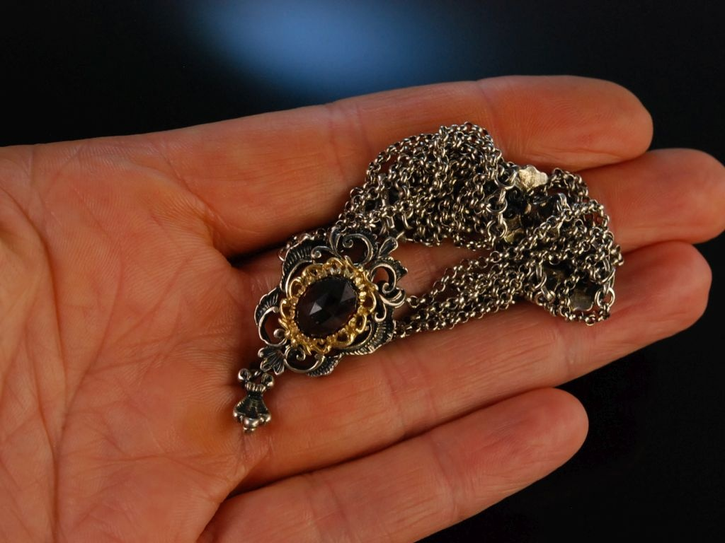 Perlen kette in die moese - 3 6