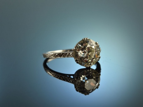 Frankfurt um 1915! Edler Art Deco 2,3 ct Solitär Diamant Ring Platin